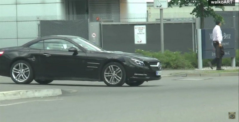 Facelifted Mercedes SL Caught On The Road: Video