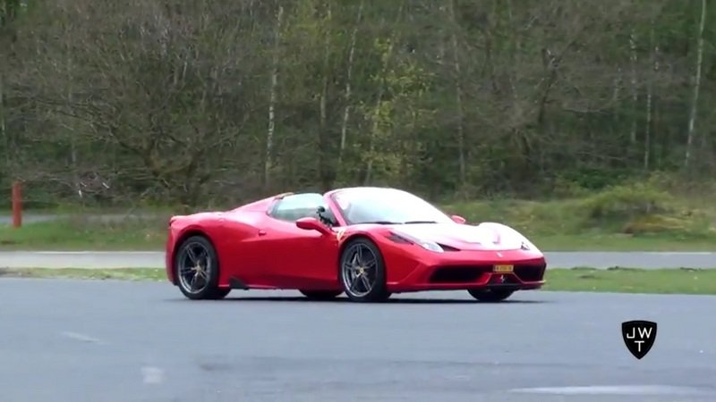 Ferrari 458 Speciale Aperta Drag Races: Video