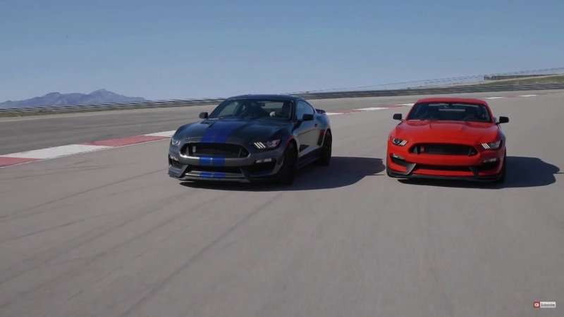 Ford Shelby GT350 and GT350R Mustang On The Track: Video