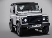 Land Rover Celebrates Its 2 Millionth Defender With One-Off Edition - image 634673
