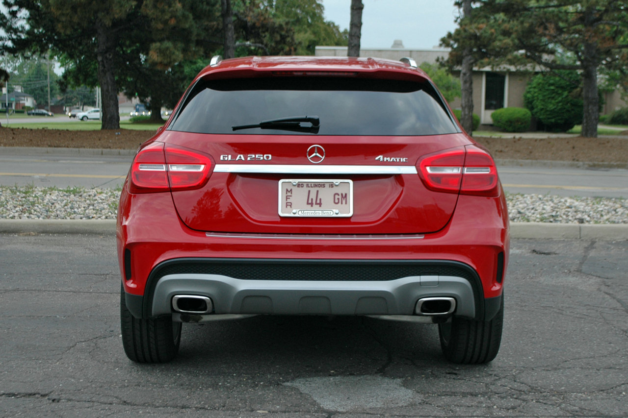 2015 mercedes gla 250 driven picture 633953 car review top speed. Black Bedroom Furniture Sets. Home Design Ideas