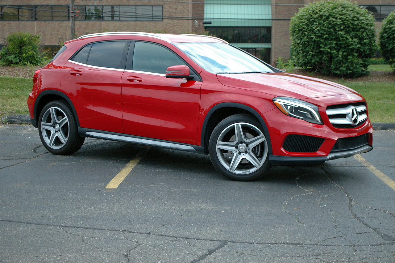 2015 mercedes gla 250 driven picture 633946 car review top speed. Black Bedroom Furniture Sets. Home Design Ideas