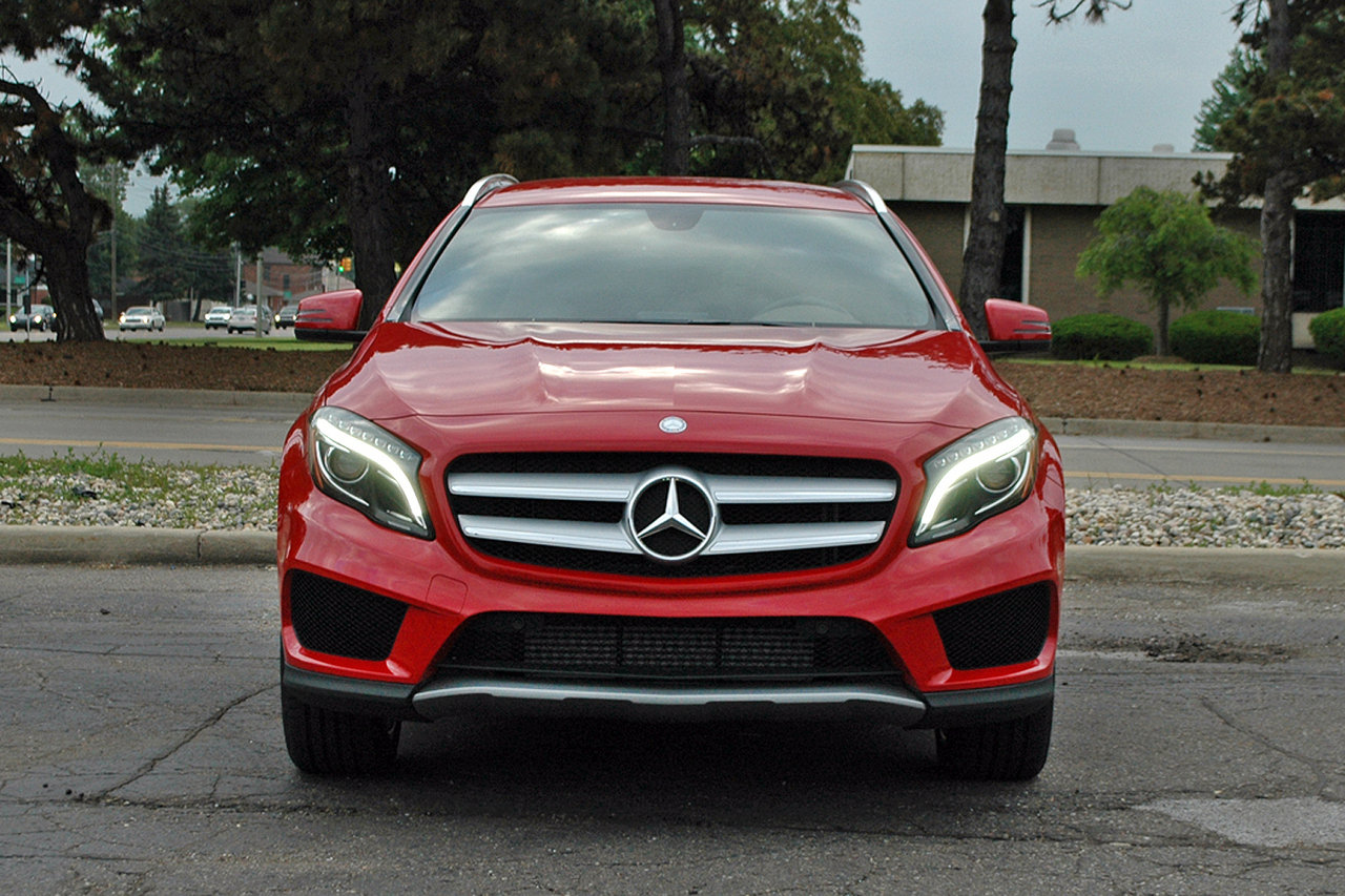 2015 mercedes gla 250 driven picture 633948 car review top speed. Black Bedroom Furniture Sets. Home Design Ideas