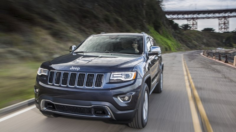 NHTSA Investigating Complaints About Jeep Grand Cherokee Braking For No Reason
