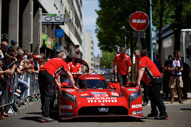 Nissan at Le Mans - Scrutineering Timelapse: Video