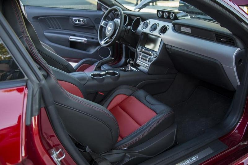 2015 Shelby Super Snake Interior - image 634176