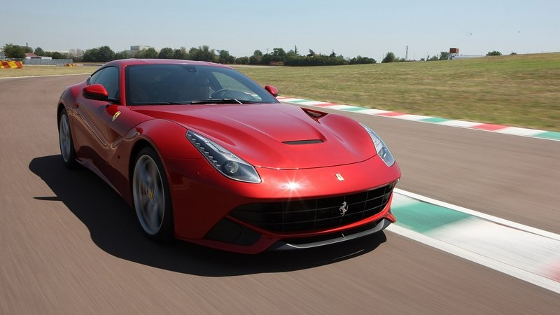 Updated Ferrari F12 Berlinetta Will Deliver 780 HP And Be 220 LBS Lighter