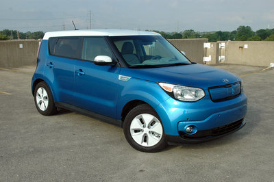 2015 Kia Soul Electric - Driven - image 636545