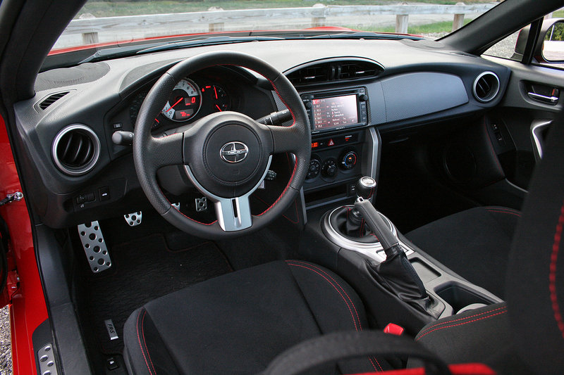 2015 Scion FR-S - Driven Interior Test drive - image 637317