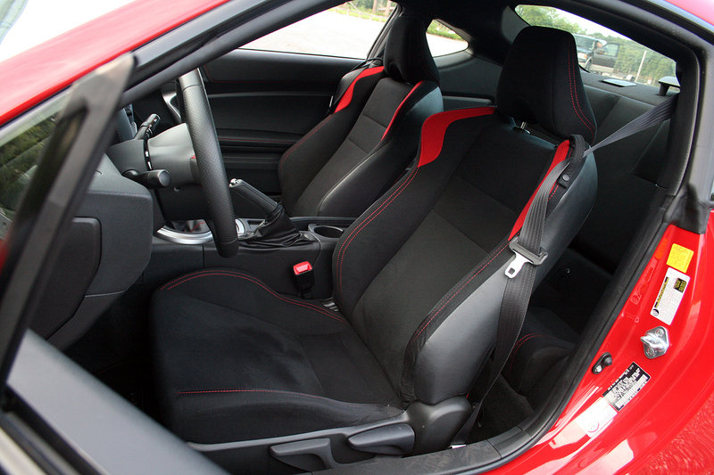 2015 Scion FR-S - Driven Interior Test drive - image 637319