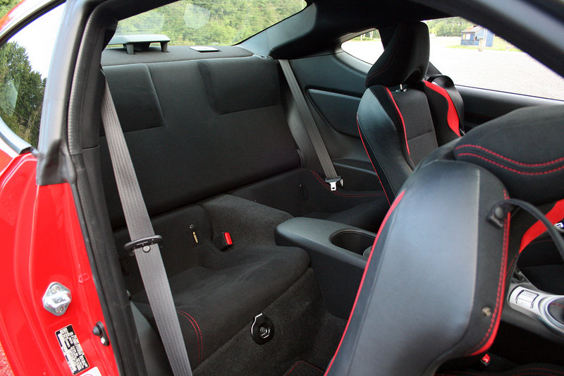 2015 Scion FR-S - Driven Interior Test drive - image 637320
