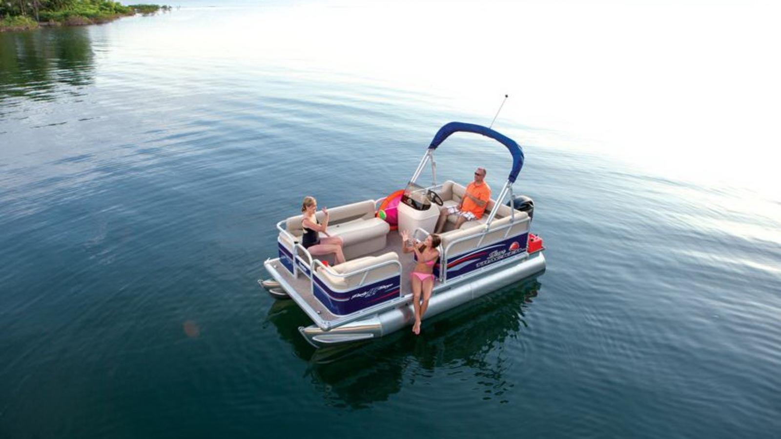 Sun Tracker Pontoon Boats >> 2015 Sun Tracker Party Barge 16 DLX Review - Top Speed