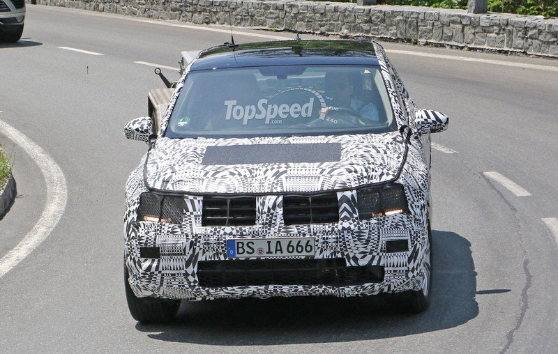 Volkswagen Tiguan Testing In The Alps: Spy Shots