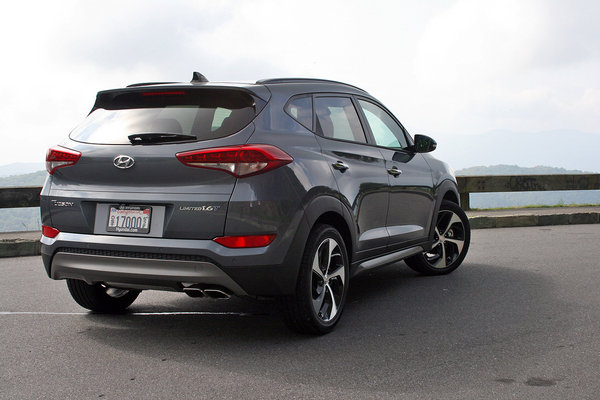 2016 hyundai tucson first drive car review top speed. Black Bedroom Furniture Sets. Home Design Ideas