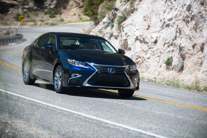 2016 Lexus ES High Resolution Exterior - image 636687