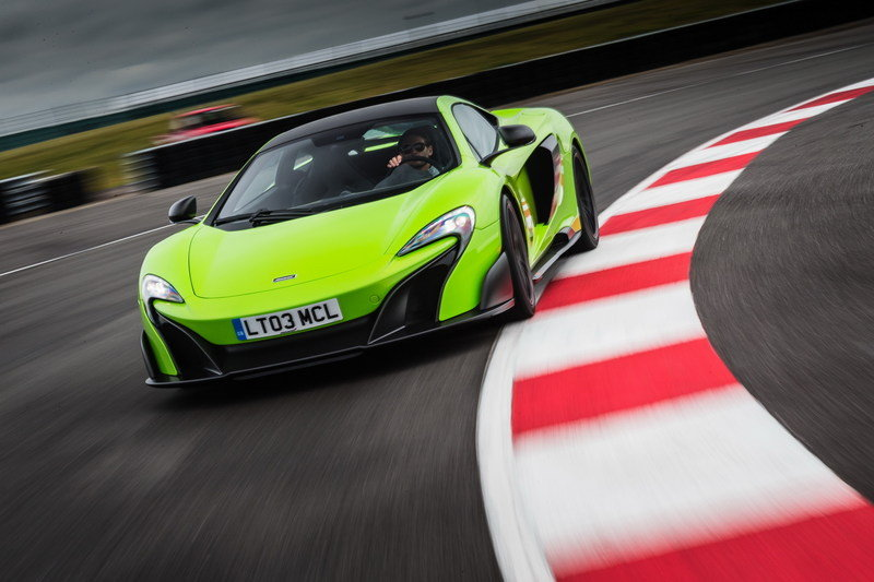 Wallpaper of the Day: 2016 McLaren 675LT
