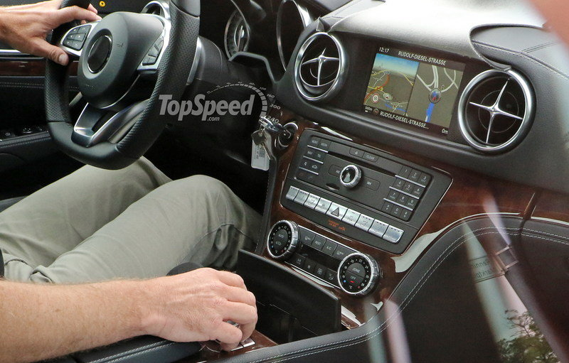 Mercedes-Benz SL Facelift Spied Inside And Out: Spy Shots