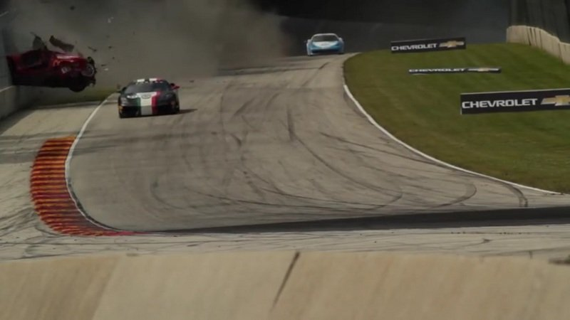 Ferrari 458 Goes Airborne At Road America: Video