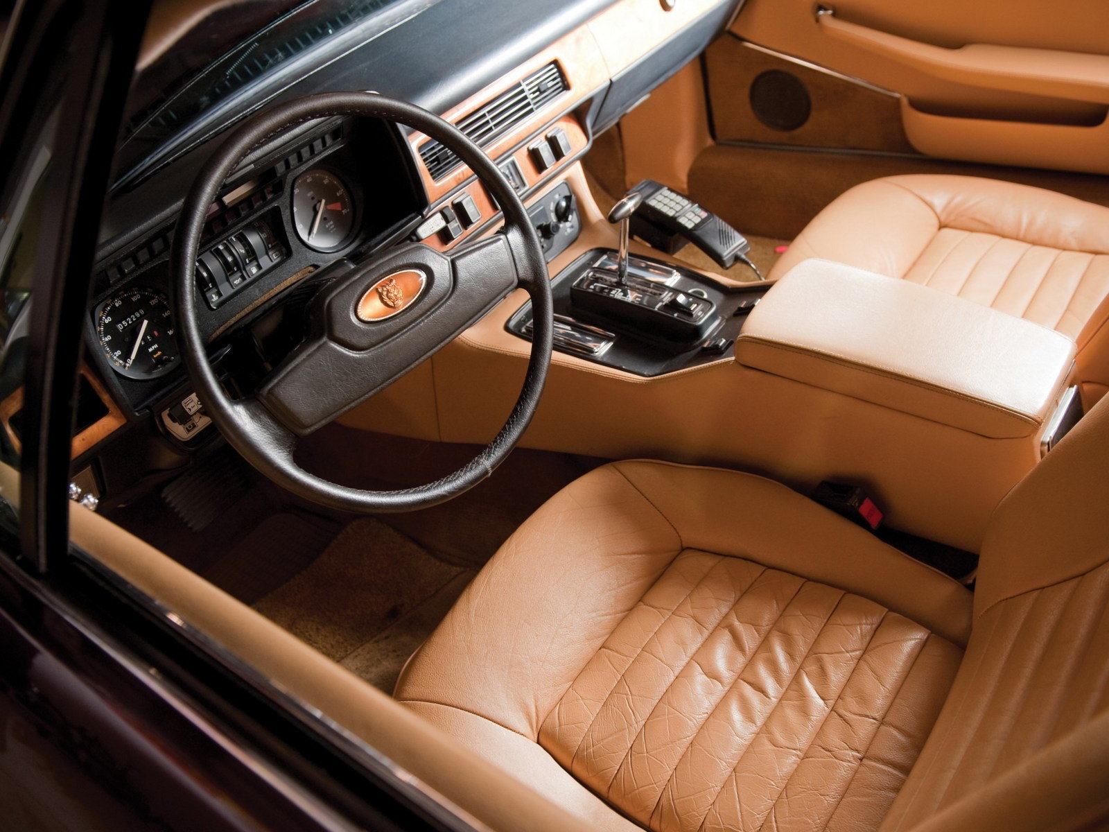 Pebble Beach Car Show >> 1975 - 1980 Jaguar XJ-S V12 - Picture 638460 | car review ...