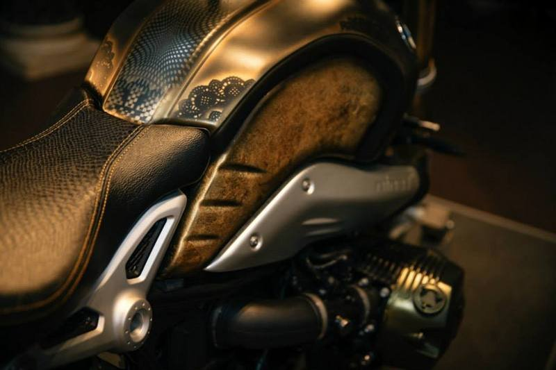 Tattoo Artist Creates The Gold Leaf BMW R nineT