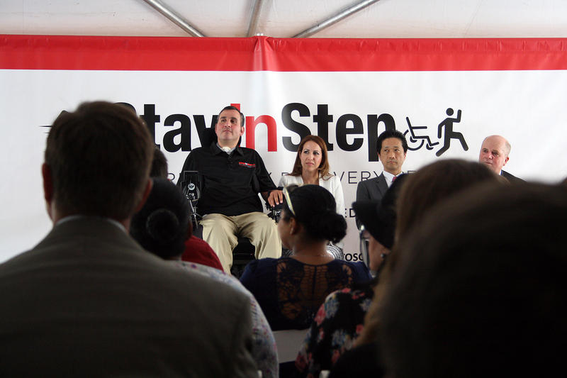 Toyota Donates Mobility Sienna To Veteran-Ran Spinal Cord Rehab Center