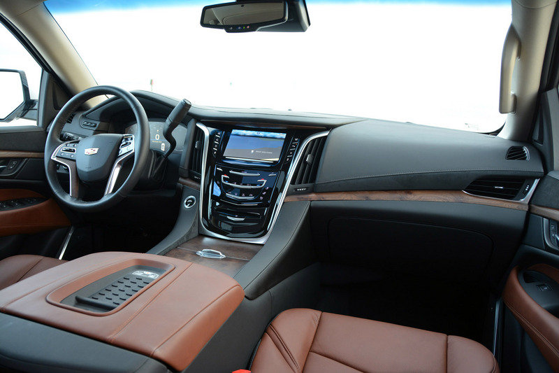 2015 Cadillac Escalade - Driven High Resolution Interior Test drive - image 640095