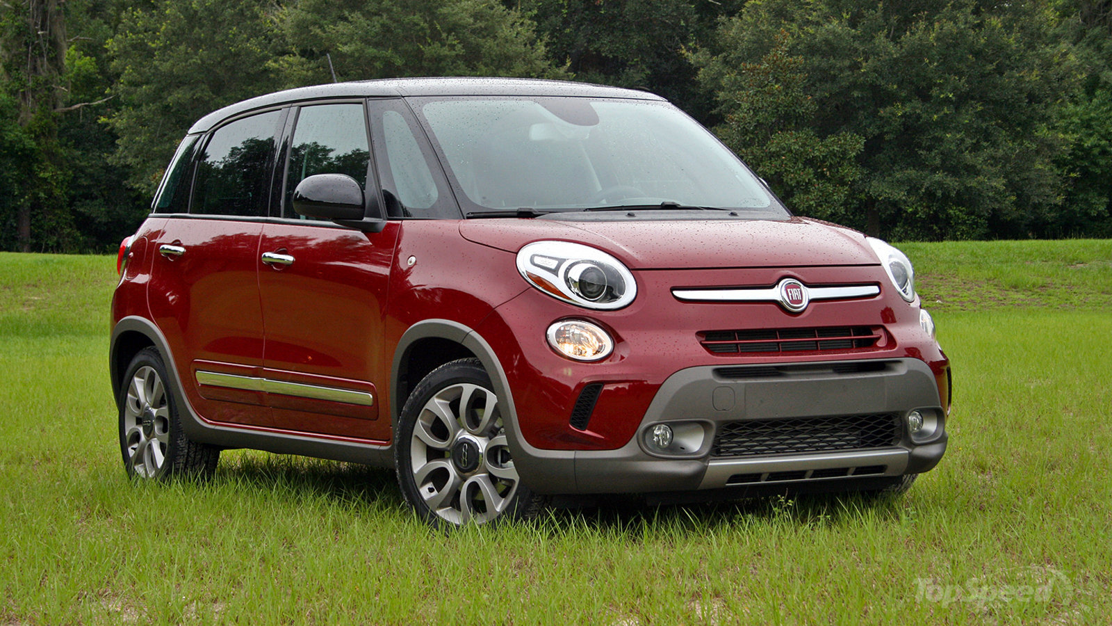 2015 fiat 500l driven review top speed. Black Bedroom Furniture Sets. Home Design Ideas