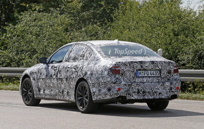 2017 BMW 5 Series Sedan Caught Testing: Spy Shots Exterior Spyshots - image 639053