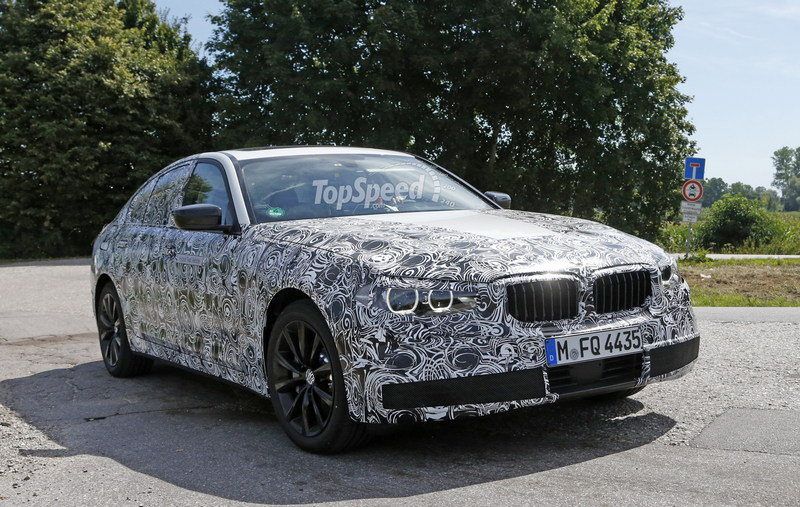 2017 BMW 5 Series Sedan Caught Testing: Spy Shots Exterior Spyshots - image 639055