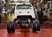 2016 Ford F-650, F-750 Trucks Begin US Production - image 640020