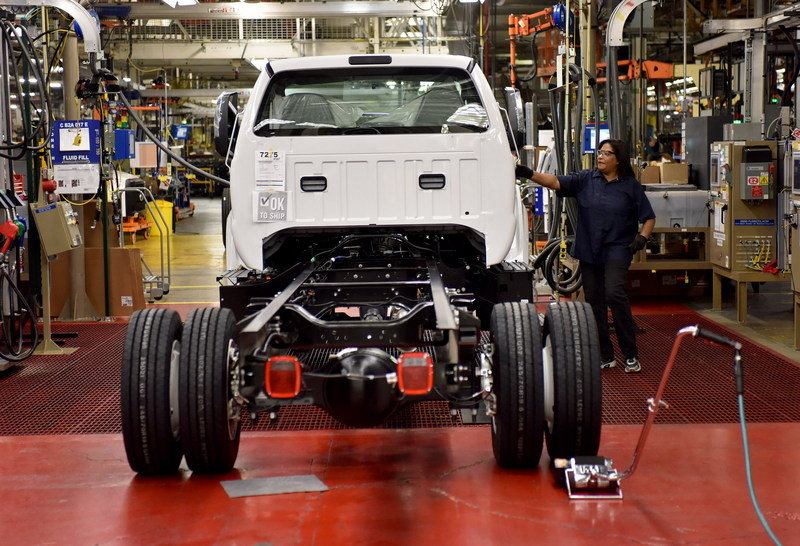 2016 Ford F-650, F-750 Trucks Begin US Production High Resolution Press Releases - image 640020