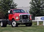 2016 Ford F-650, F-750 Trucks Begin US Production - image 640026