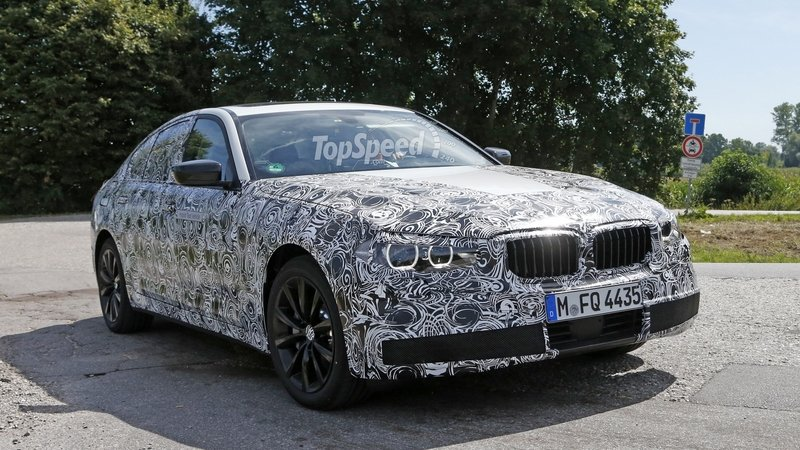 2017 BMW 5 Series Sedan Caught Testing: Spy Shots