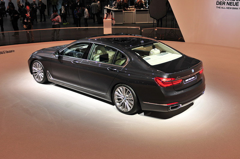 2016 BMW 7 Series High Resolution Exterior AutoShow - image 647206