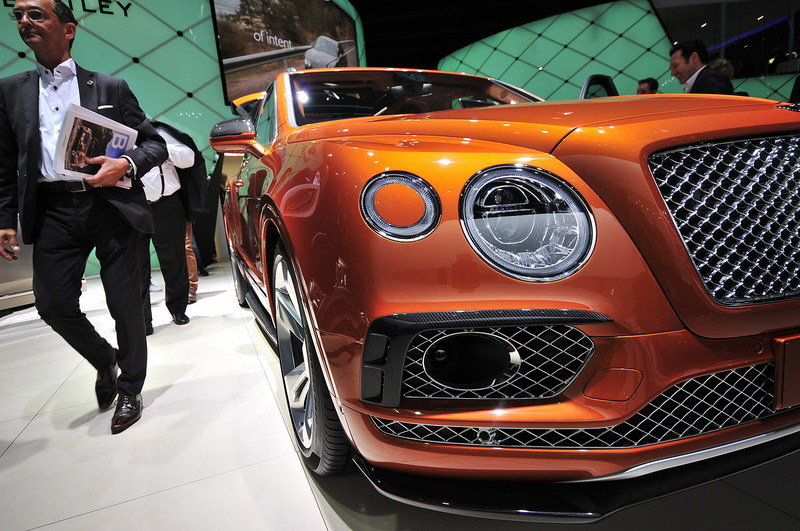 2017 Bentley Bentayga High Resolution Exterior AutoShow - image 647114