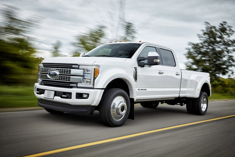 Ford's New 7.3-Liter V-8 May Go Old-School with Pushrod Valve Actuation
