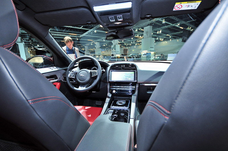 2017 - 2019 Jaguar F-Pace High Resolution Interior AutoShow - image 647519