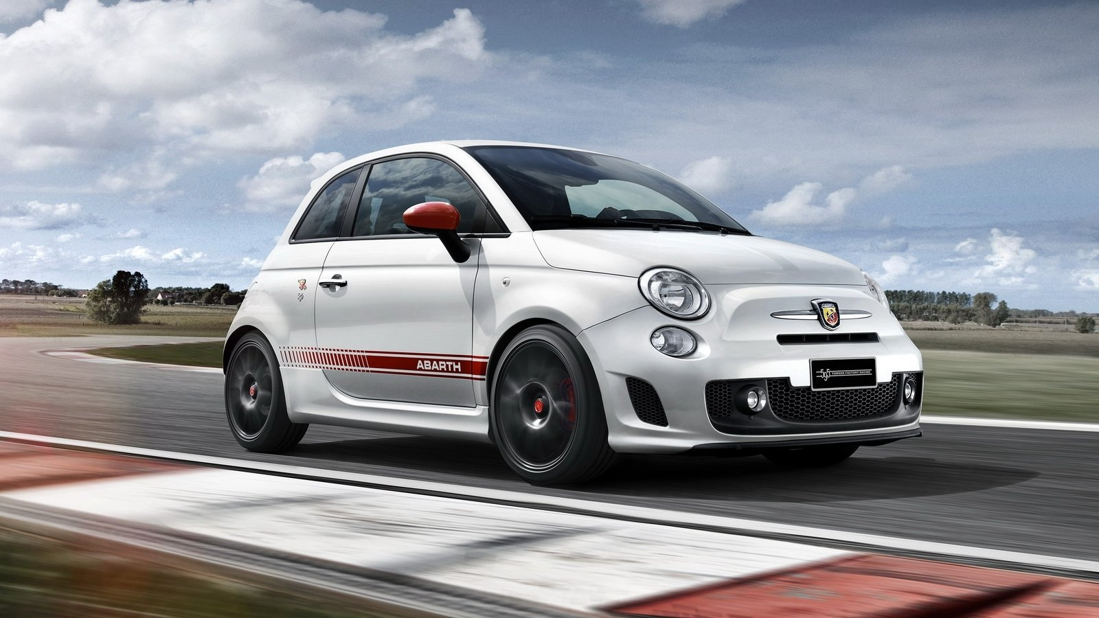 2016 abarth 595 yamaha factory racing edition picture for Garage abarth paris