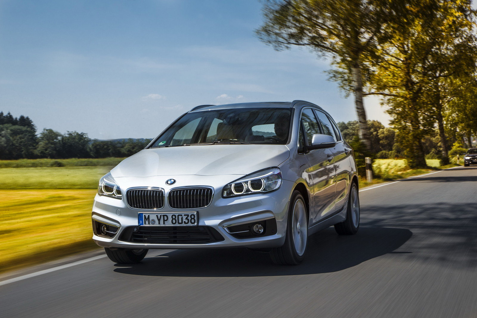 2016 bmw 225xe plug in hybrid picture 644490 car review top speed. Black Bedroom Furniture Sets. Home Design Ideas