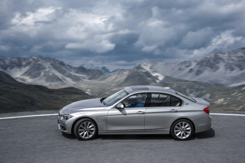 2016 BMW 330e Plug-In Hybrid High Resolution Exterior - image 644522
