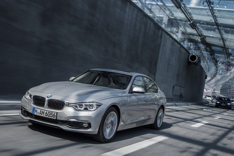 2016 BMW 330e Plug-In Hybrid High Resolution Exterior - image 644524