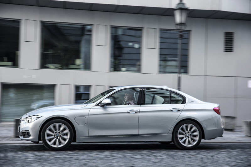 2016 Bmw 330e Plug In Hybrid Review Gallery 644543 Top Speed