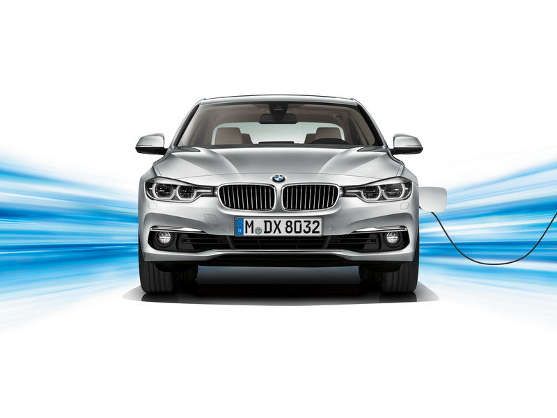2016 BMW 330e Plug-In Hybrid High Resolution Exterior - image 644511
