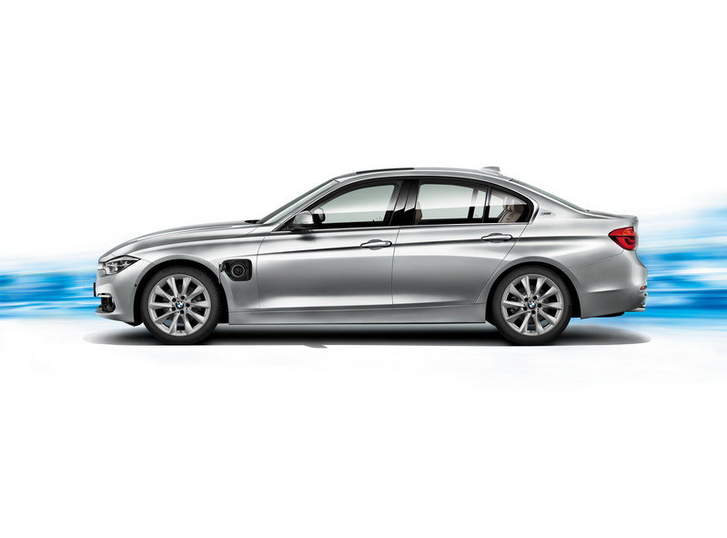 2016 BMW 330e Plug-In Hybrid High Resolution Exterior - image 644513