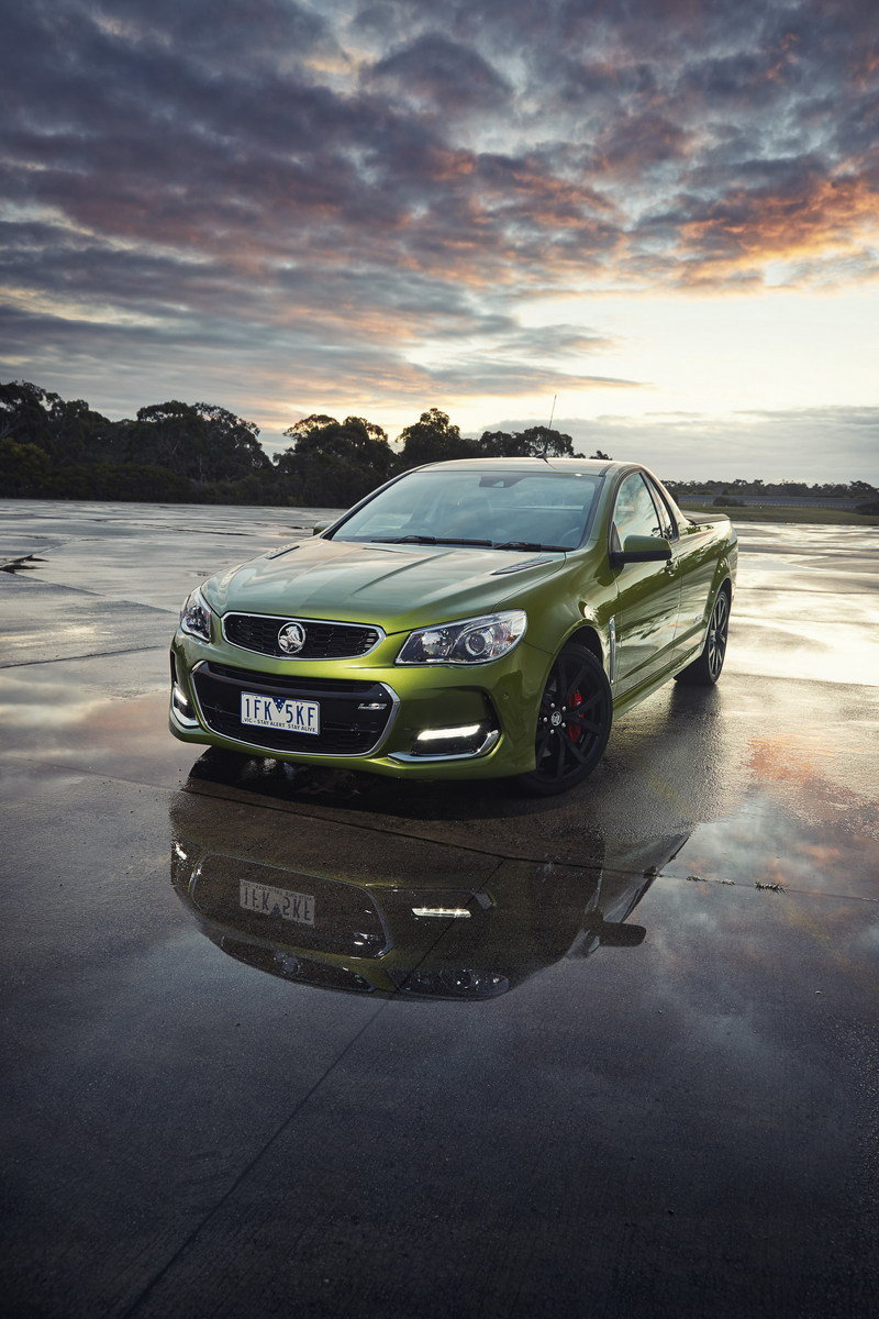 Holden Commodore Photos Pictures Pics Wallpapers Top Speed