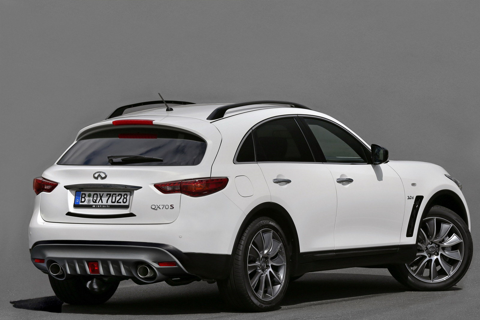 2016 infiniti qx70 ultimate picture 645592 car review top speed. Black Bedroom Furniture Sets. Home Design Ideas