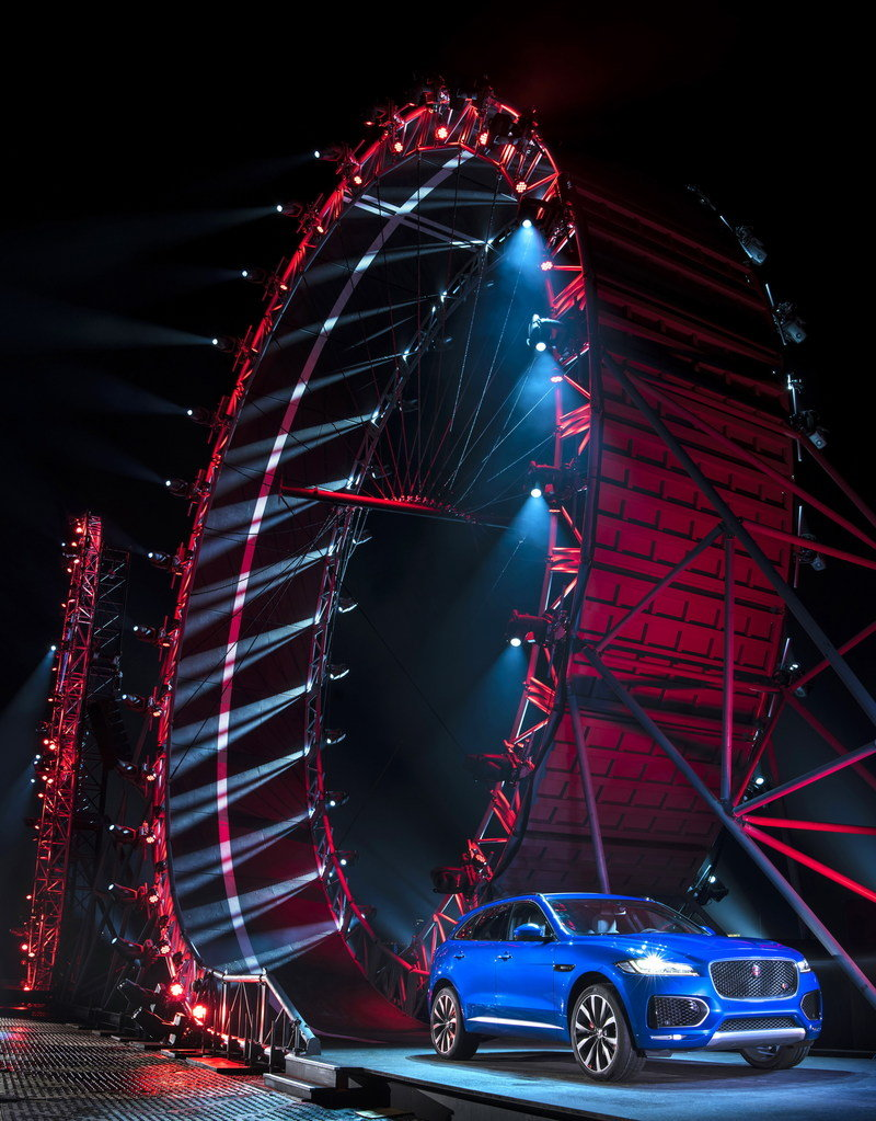 Jaguar F-Pace Sets World Record For Largest Ever 'Loop The Loop'