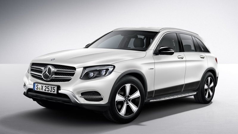 2016 Mercedes-Benz GLC Genuine Accessories