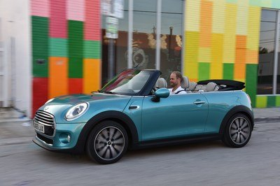 2016 Mini Cooper Convertible - image 652606