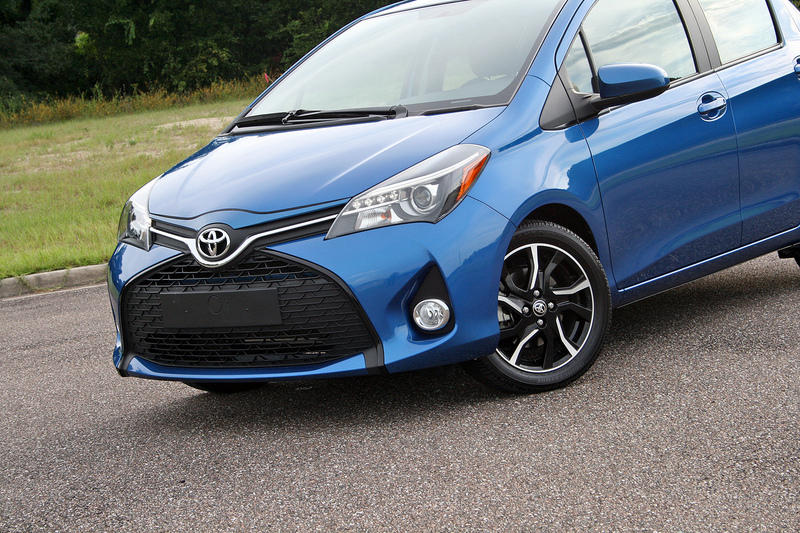 2015 Toyota Yaris - Driven High Resolution Exterior - image 650979